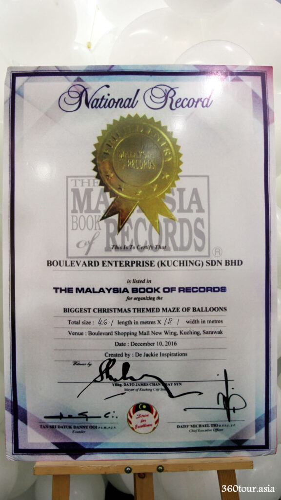 The Malaysia Book of Records holder of the Malaysia's Malaysia's biggest Christmas themed maze of balloons