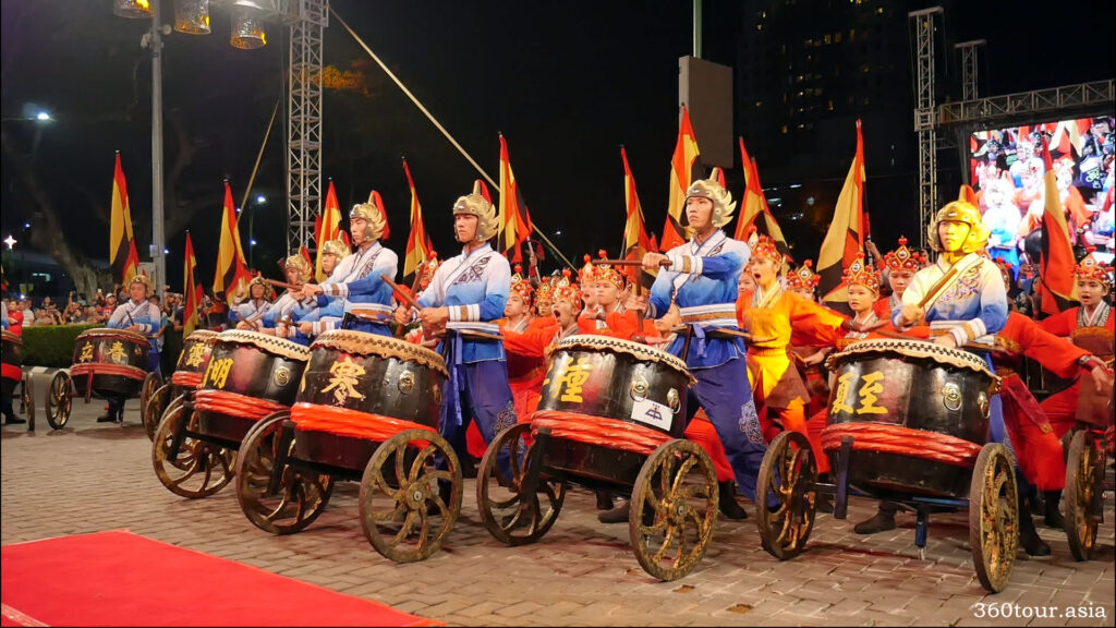 The drum performance by chung hua students
