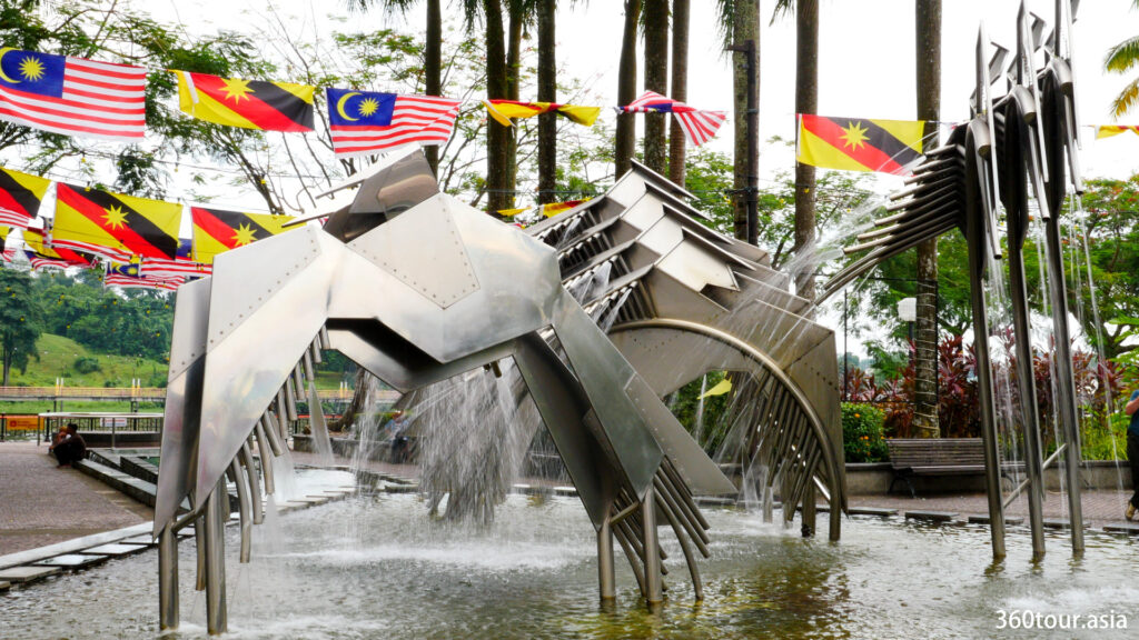 The stainless steel hornbill sculpture at Kuching Waterfront