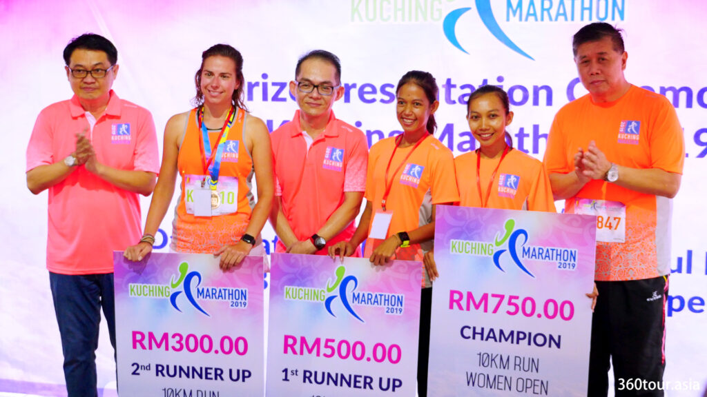 The group photos for the 10KM Run Women Open.